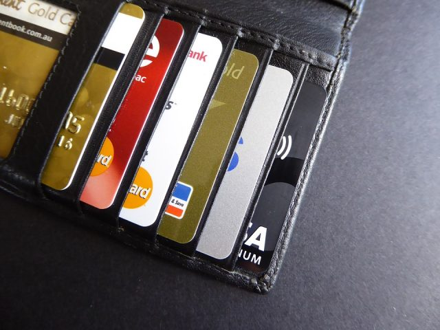10 Best Credit Cards In India 2017 : Review !